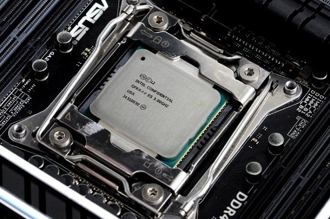 10-ядерный Intel Core i7-6950X Broadwell-E с 25 МБ кеша